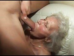 Stanger bestemors hårete fitte
